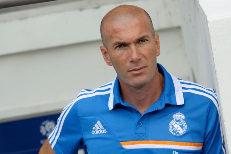 Recibe Zidane su título de entrenador de club deportivo profesional